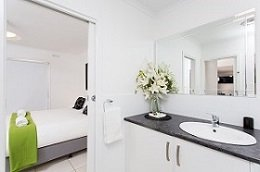 Large Bathroom Mildura Holiday Villas